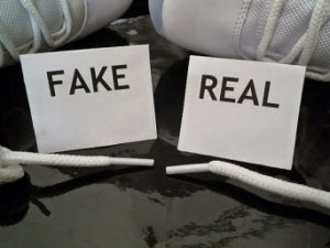 Membedakan Sepatu Nike Running Asli dan Palsu