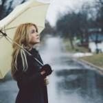 Merawat Kulit Wajah di Musim Hujan