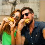 5 Tips Praktis Makan Aman Saat Liburan