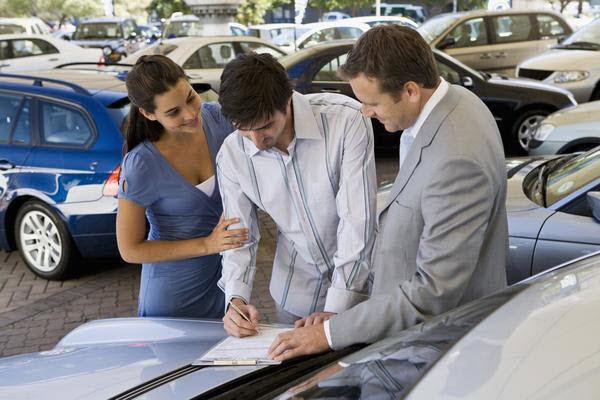 Tips dan Panduan Memilih Mobil Bekas
