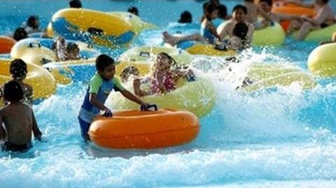 Bermain Air di Ciputra Waterpark Surabaya