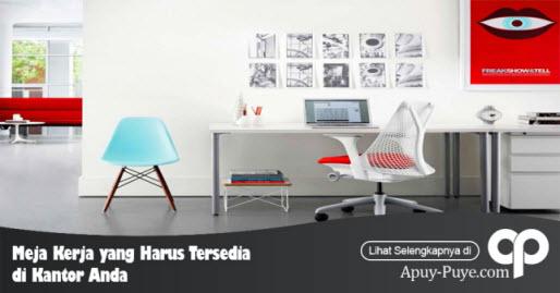 Meja Kerja di Kantor