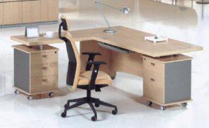 Meja Kantor dari Particle Board