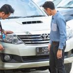 5 Tips Penting Saat Beli Mobil Bekas di Showroom Mobil