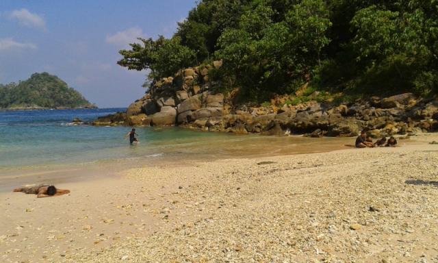 Wisata Pantai Lhok Mata Ie