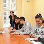 Mengapa Karyawan Ingin Lancar Berbahasa Inggris?