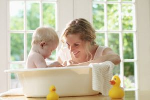 Tips Memilih Sabun Mandi yang Aman untuk Bayi